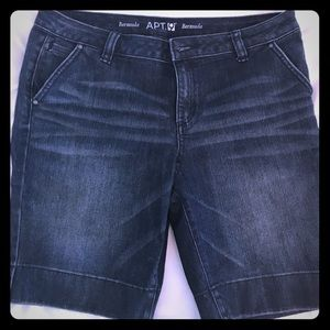 Denim bermuda shorts. Size 12.